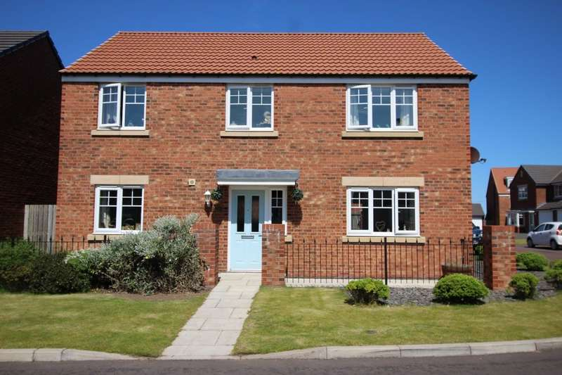 4 Bedrooms Detached House for sale in Castle Drive, Seahouses, NE68