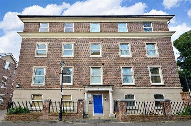 2 Bedrooms Flat for sale in Annison Street, Tonbridge