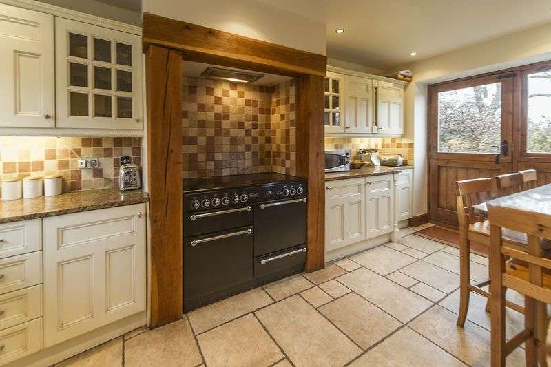 4 Bedrooms Semi Detached House for sale in The Hayloft, Bellfield Farm, Watling Street