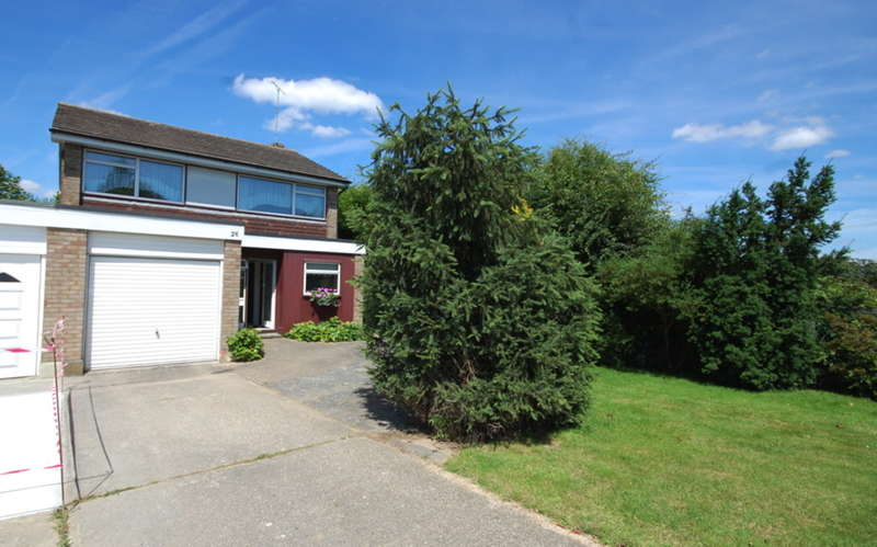 4 Bedrooms Detached House for sale in Riffhams Drive, Great Baddow, Chelmsford, CM2