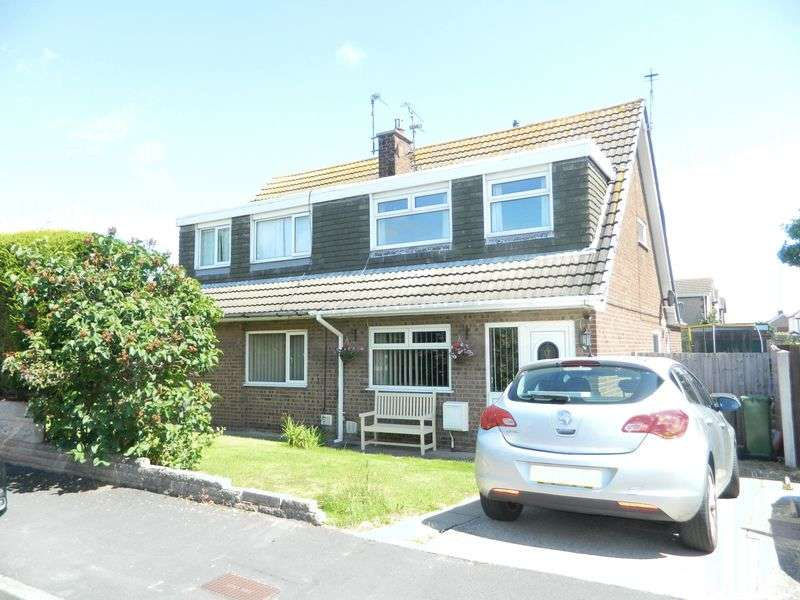 3 Bedrooms Property for sale in Derwent Close, Prestatyn