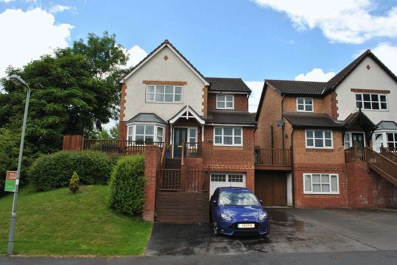 4 Bedrooms Detached House for sale in Tegid Drive, Wrexham
