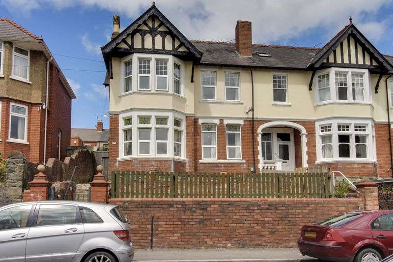 4 Bedrooms Semi Detached House for sale in Fields Road, Newport
