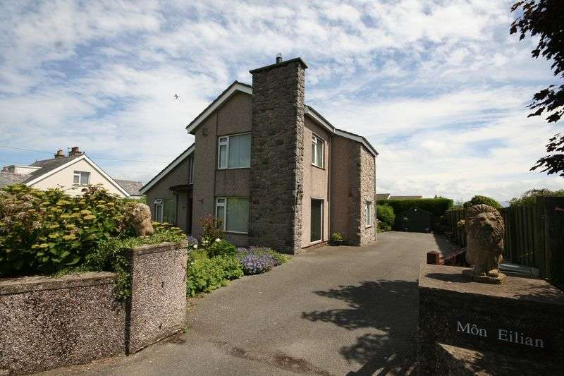3 Bedrooms Detached House for sale in Llangefni, Anglesey