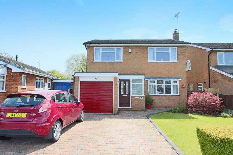 4 Bedrooms Detached House for sale in Calder Avenue, Crewe