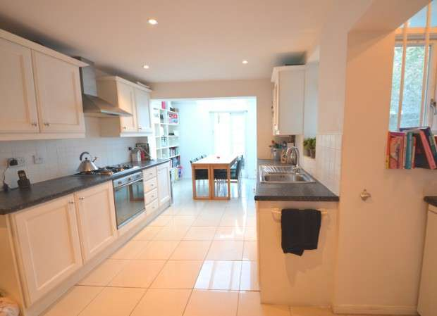 4 Bedrooms Terraced House for rent in Acre Lane, Brixton, London, SW2