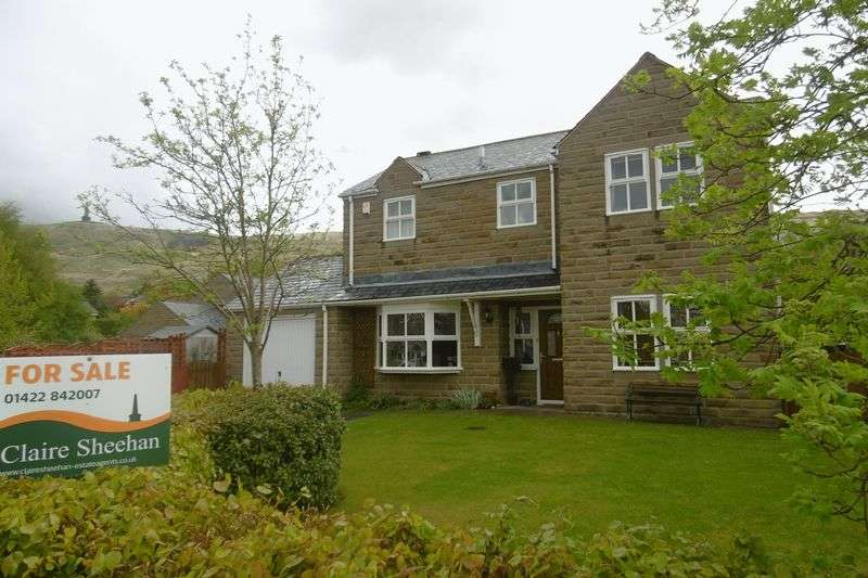 4 Bedrooms Detached House for sale in Manor Close, Todmorden
