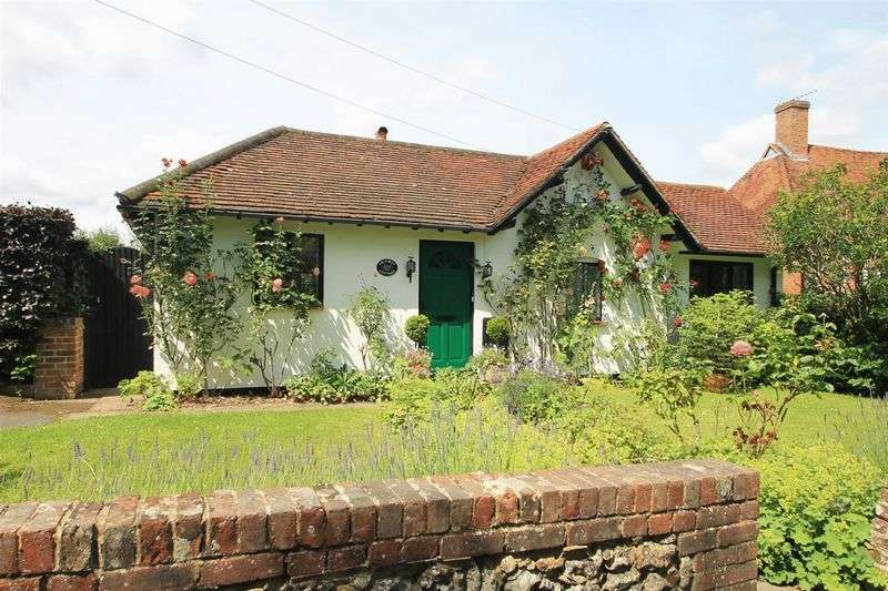 2 Bedrooms Detached Bungalow for sale in East Clandon