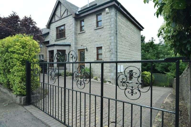 4 Bedrooms Detached House for sale in 601 Lanark Road, Juniper Green, Edinburgh, EH14 5DA