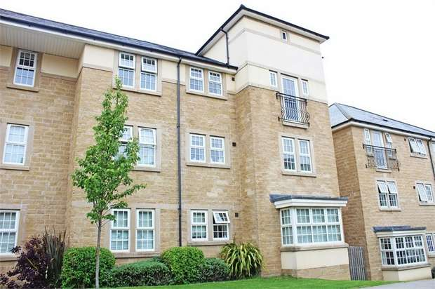 2 Bedrooms Flat for sale in 53 High Royds Drive, Menston, Ilkley, West Yorkshire