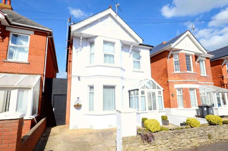 3 Bedrooms Detached House for sale in Madison Avenue, Bournemouth