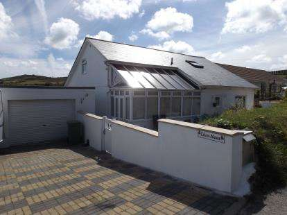 5 Bedrooms Bungalow for sale in Brea, Camborne, Cornwall
