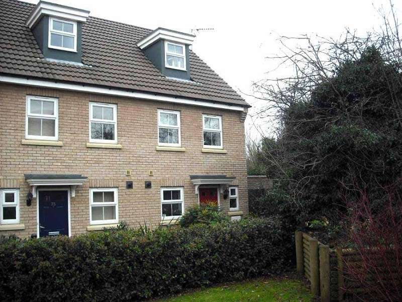 3 Bedrooms Town House for sale in Burywell Road, Wellingborough, Northamptonshire. NN8 4GB