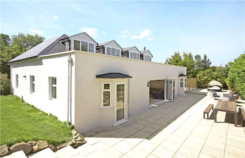 5 Bedrooms Detached House for sale in Pleasure Pit Road, Ashtead, Surrey, KT21