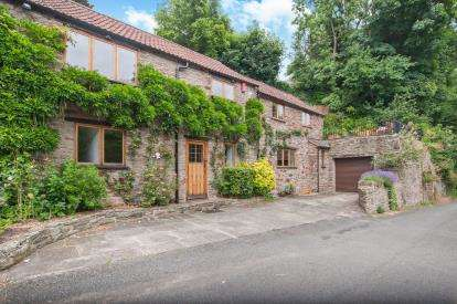 3 Bedrooms Semi Detached House for sale in Pearces Hill, Frenchay, Bristol