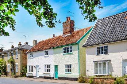 3 Bedrooms Semi Detached House for sale in The Street, Peasenhall, Saxmundham