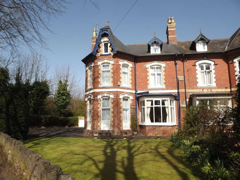 9 Bedrooms Semi Detached House for sale in Rathmore Road, Chelston, Torquay