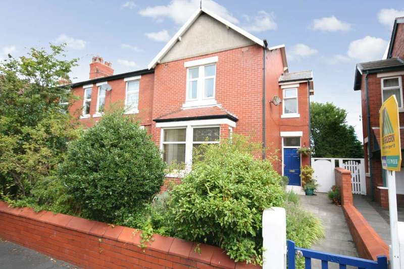 3 Bedrooms Property for sale in 135 Rossall Road, Ansdell