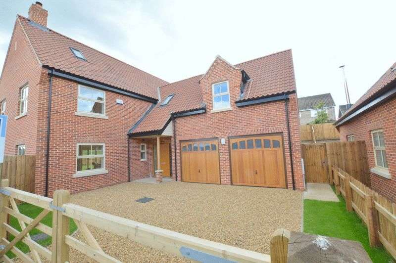 4 Bedrooms Detached Bungalow for sale in Brick Kiln Farm Development, Old Farm Road, Beccles