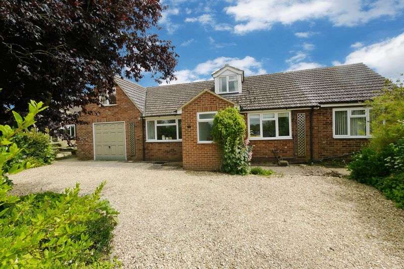 4 Bedrooms Detached House for sale in WARBOROUGH