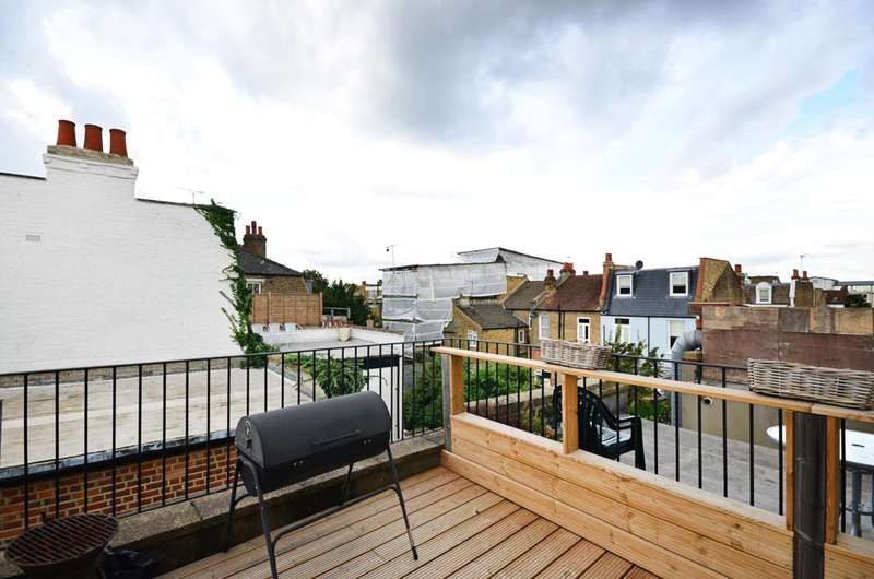 3 Bedrooms Maisonette Flat for sale in Munster Road, Munster Village, SW6