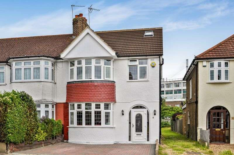 4 Bedrooms Semi Detached House for sale in Teesdale Gardens, Isleworth