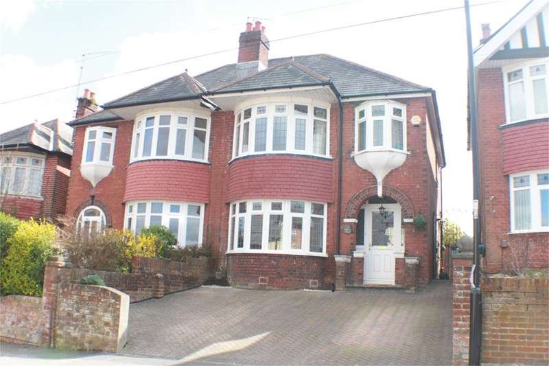 3 Bedrooms Semi Detached House for sale in Church Road, Woolston