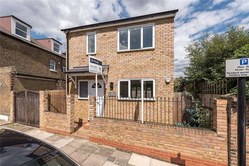 3 Bedrooms Detached House for sale in Trinder Road, London, N19