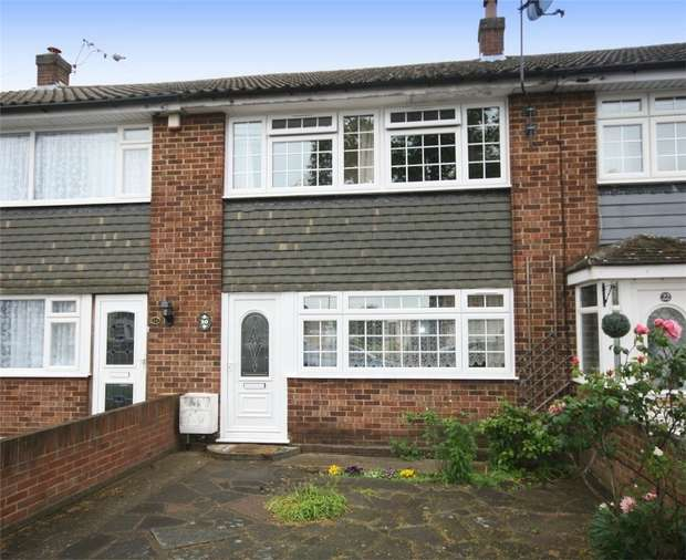3 Bedrooms Terraced House for sale in Chalmers Road East, Ashford, Surrey
