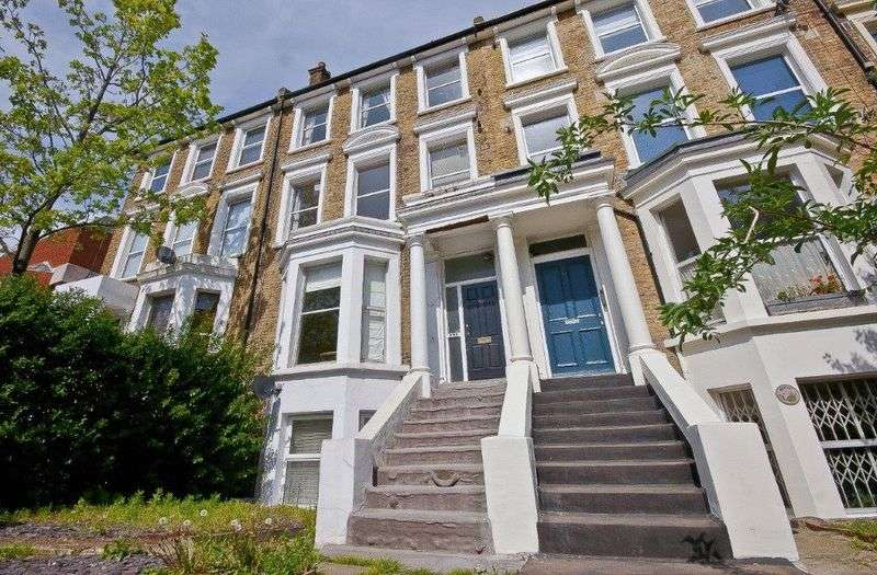 1 Bedroom Flat for sale in Gresham Road, London
