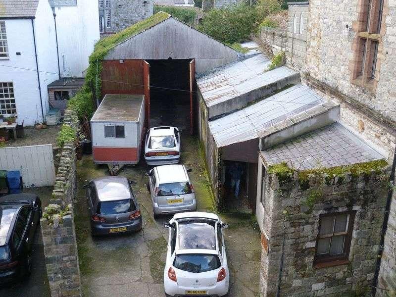 Property for sale in Caernarfon