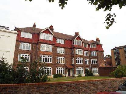 3 Bedrooms Flat for sale in 59 Devonshire Road, Southampton, Hampshire