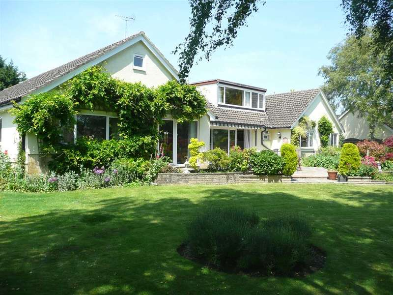 5 Bedrooms Bungalow for sale in Chestnut Springs, Lydiard Millicent, Lydiard, Swindon