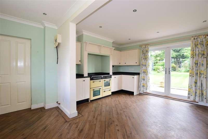 5 Bedrooms Semi Detached House for sale in Park Lane, Ramsden Heath, Essex