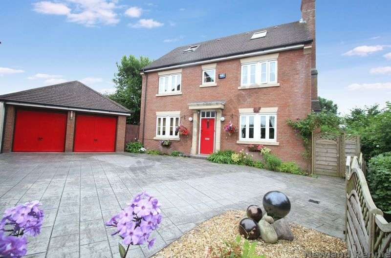 5 Bedrooms Detached House for sale in Pencoed View, Llanmartin, Newport