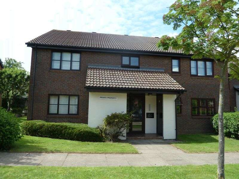 Flat for sale in The Oaks, Swanley