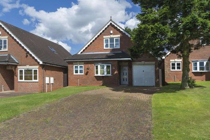 4 Bedrooms Detached Bungalow for sale in Dunsley Grove, Penn, Wolverhampton