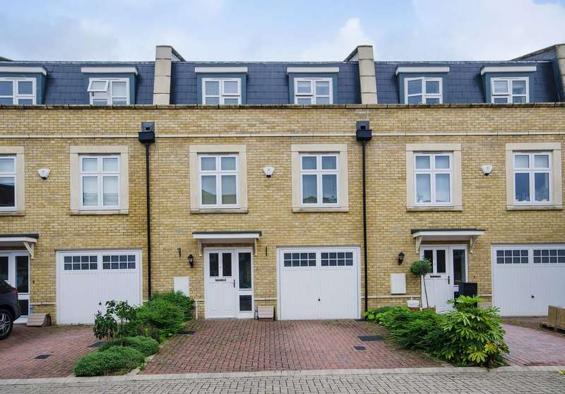 4 Bedrooms Terraced House for sale in Summer Gardens, Ickenham, UB10