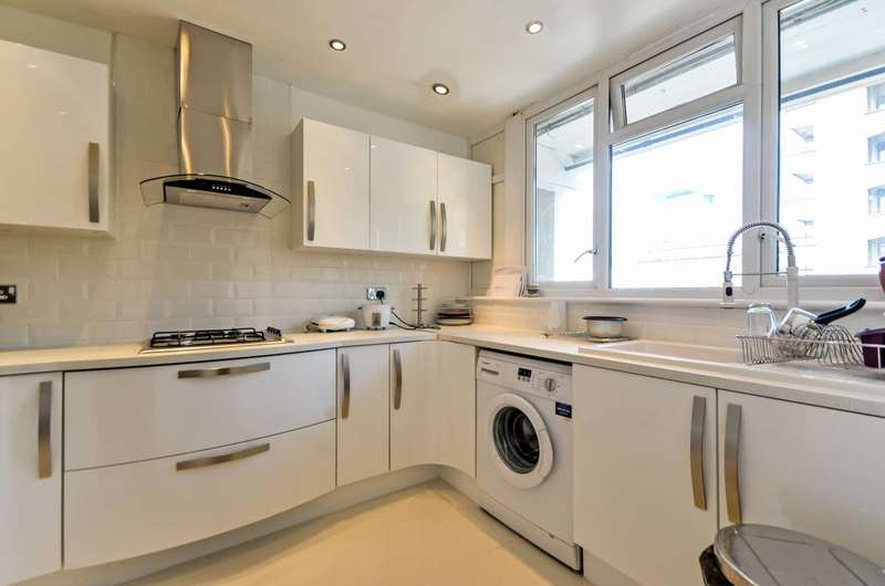 3 Bedrooms Flat for sale in Cottage Street, Poplar, E14