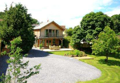 7 Bedrooms Detached House for sale in Broadhempston, Totnes, Devon