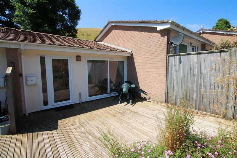 2 Bedrooms Bungalow for sale in Downderry