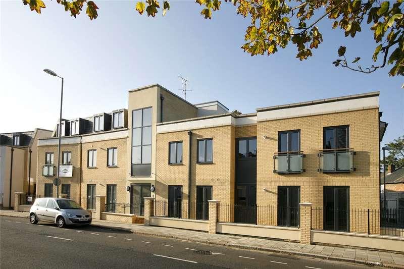 2 Bedrooms Flat for sale in Brighton Road, Surbiton, Surrey, KT6