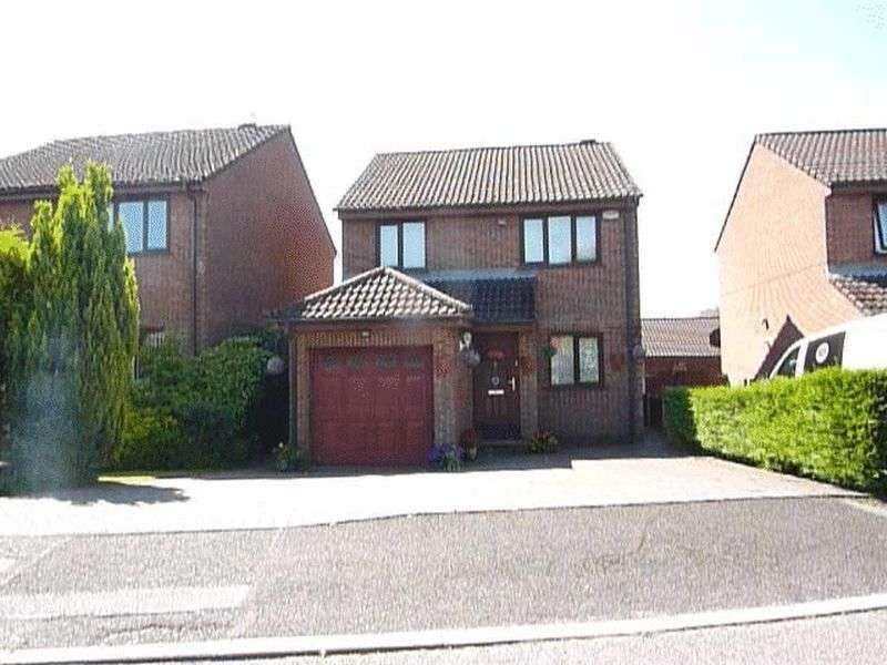 3 Bedrooms Detached House for sale in Churnet Close, Westhoughton Bolton