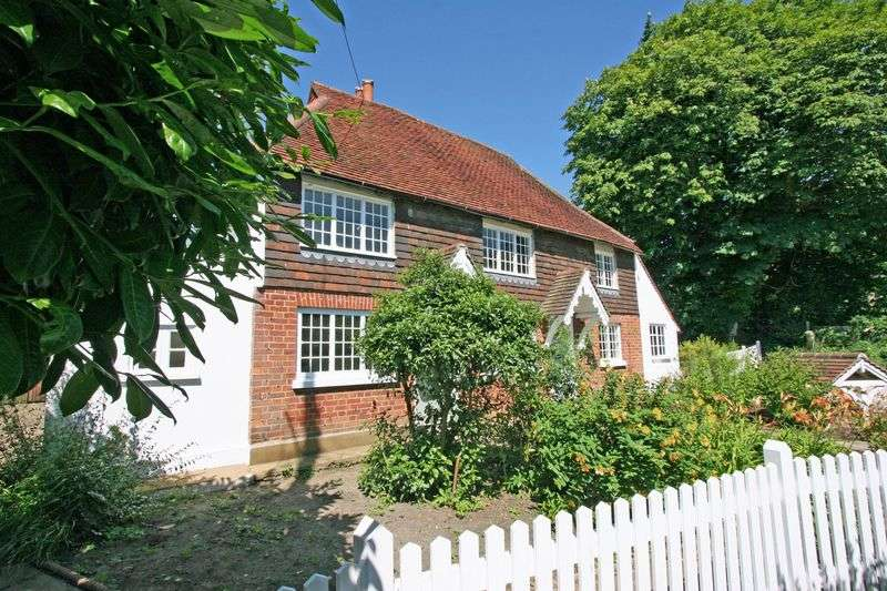 2 Bedrooms Semi Detached House for sale in **Unexpectedly reavailable** Period cottage, Church lane, Henfield