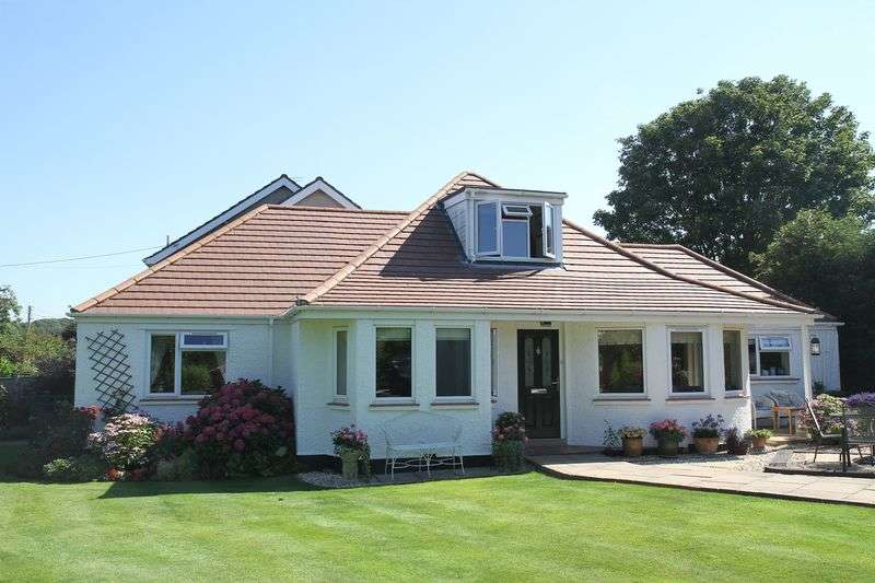 4 Bedrooms Detached House for sale in Cambridge Road, Clevedon