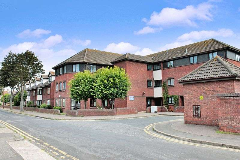 1 Bedroom Retirement Property for sale in Martins Court, Southend-on-Sea, SS2 5DH