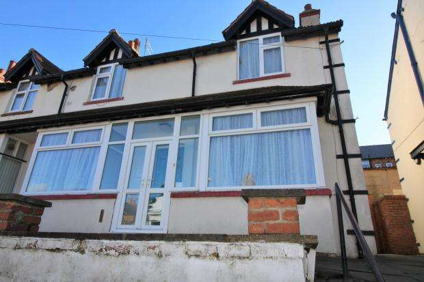 2 Bedrooms Semi Detached House for sale in St Johns Avenue, Scarborough, North Yorkshire YO12 5EU