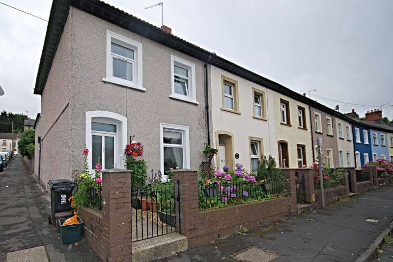3 Bedrooms End Of Terrace House for sale in Victoria Crescent, Newport, South Wales. NP20 4DE