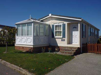 2 Bedrooms Bungalow for sale in Padstow, Cornwall