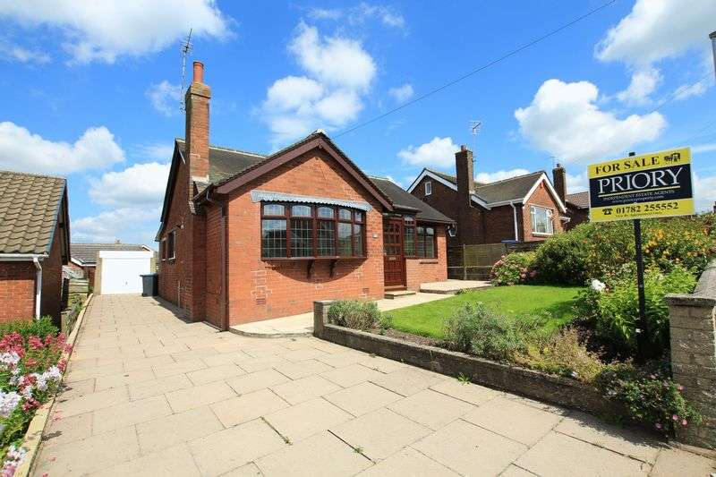 2 Bedrooms Detached Bungalow for sale in Colwyn Drive, Knypersley, Biddulph